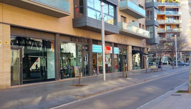 El 77 de los locales que tiene barcelona est n for Vaciado de locales en barcelona