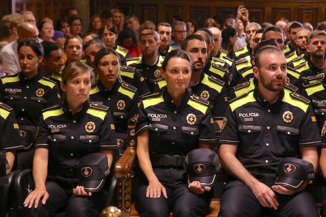 Los sindicatos policiales piden al Ayuntamiento la anulación del examen de la Guardia Urbana